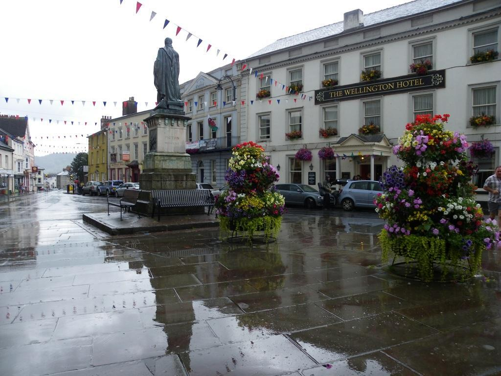 Brecon High Street with memorial statue