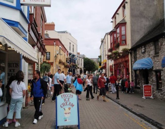 Dog Friendly B&B Wales - a dog's day out in Tenby town centre